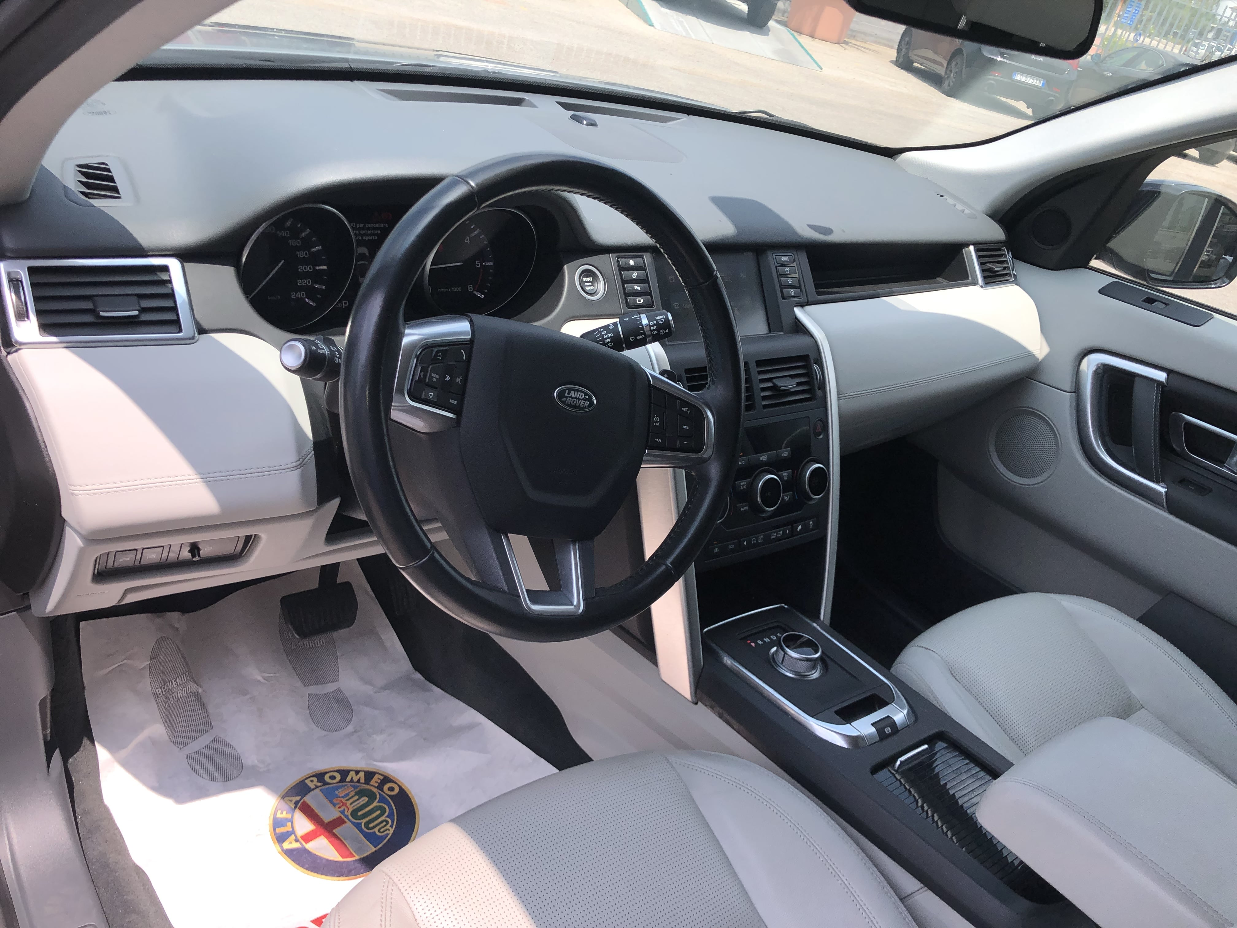 LAND ROVER DISCOVERY SPORT HSE full